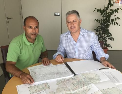 Otura reitera a Diputación la necesidad de ampliar el puente de la carretera hacia Dílar