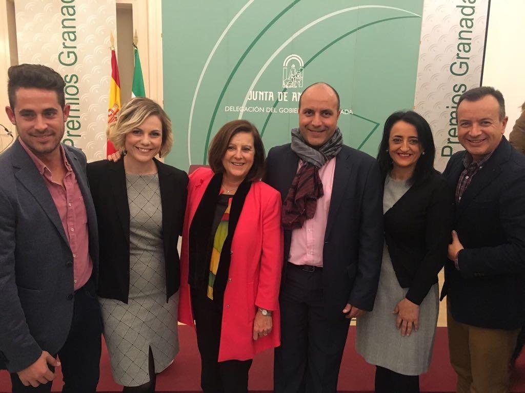 El alcalde de Otura, Nazario Montes,  y los concejales de Juventud, Cultura y Educación junto a la consejera de Igualdad