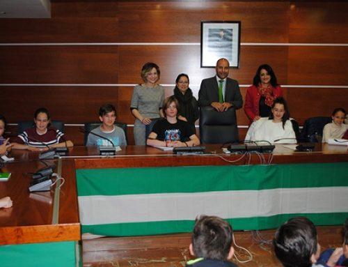 El Ayuntamiento acoge un emotivo pleno infantil para celebrar el Día de Andalucía